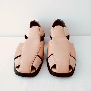 Cabin Greek Women's Sandals size7